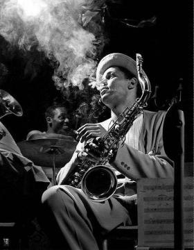 hommage-au-saxophoniste-dexter-gordon-ce-midi
