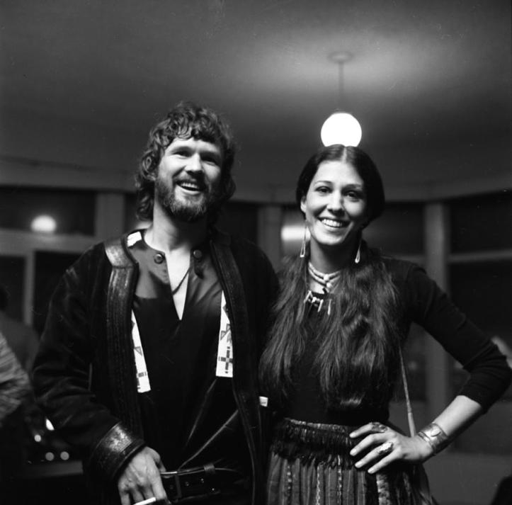 1-kris-kristofferson-and-rita-coolidge-at-michael-ochs-archives